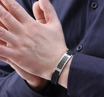 Фото клиента с браслетом