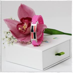 розовый женский магнитный браслет с турмалиновыми пластинами